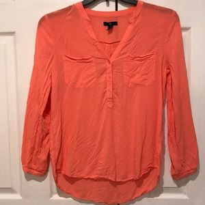 Amazing Gap Coral 1/4 Button Two Pocket Blouse